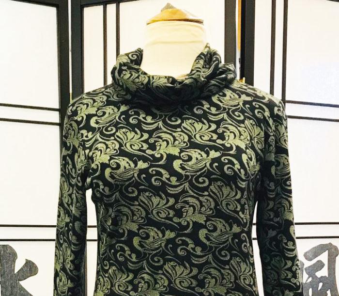 Lotten vinter olivgrön paisley med lös polokrage2