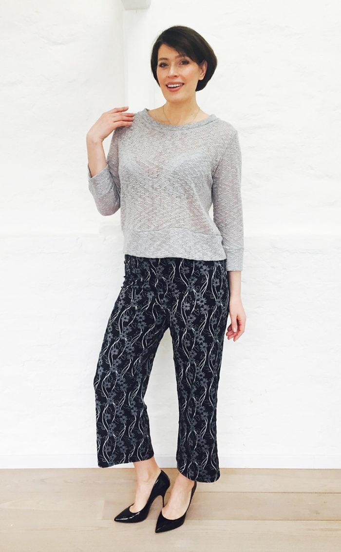 Nina grå tröja1b
