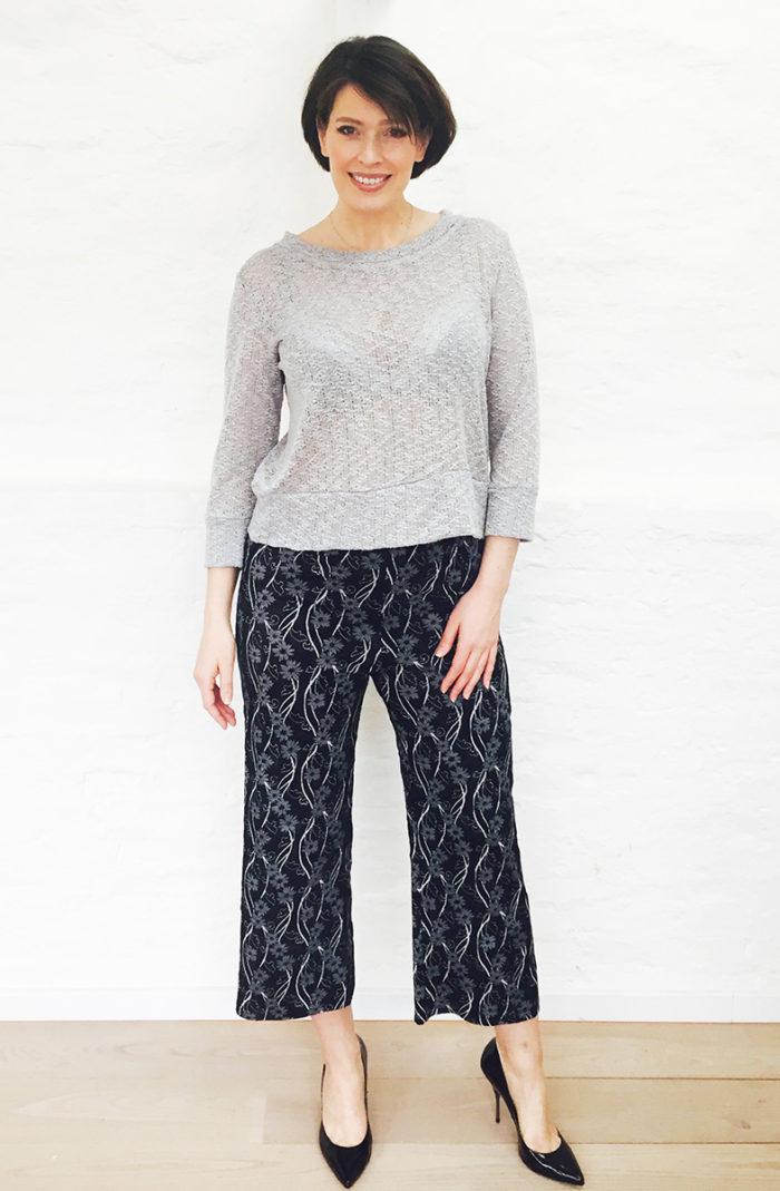 Nina grå tröja2b